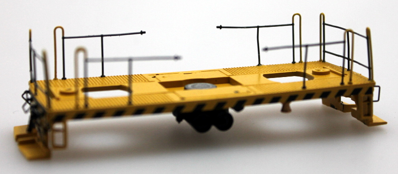 Underframe - Yellow/Black Stripes w/Black Handrails (HO 45 Ton)
