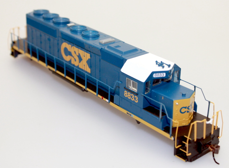 Body Shell - CSX #8833 (HO SD40-2)