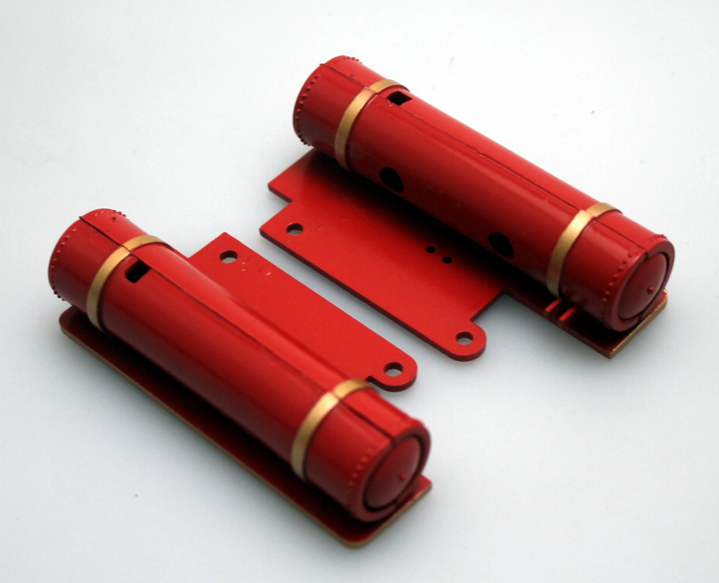 Air Tanks - Red, Gold Rim (Large 4-6-0 Standard)