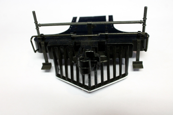 Cowcatcher - Black w/ white trim (Large Scale 4-6-0 Anniversary)
