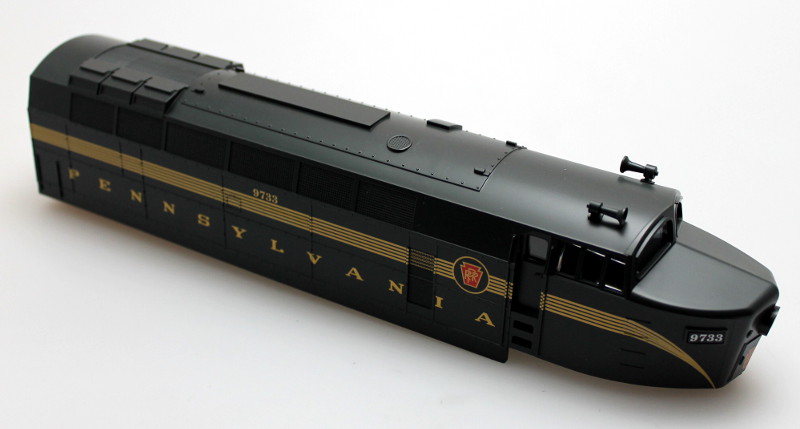 Loco Shell - PRR Green 5 Stripes #9733 (O Scale Shark A)