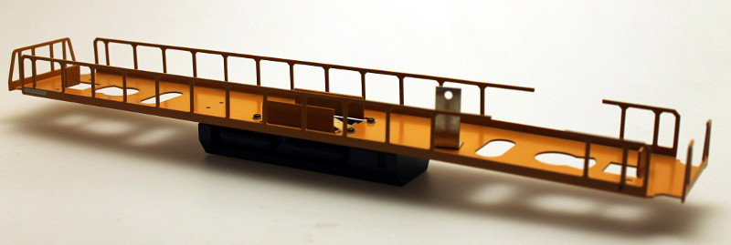 Loco Underframe - Blue/Yellow (O Scale EF-4)