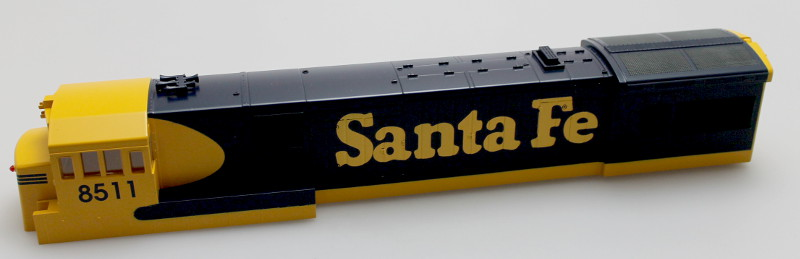 Body Shell - Santa Fe #8511 (O Scale U33C)