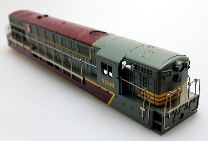 Body Shell - Canadian Pacific #8909 (O Scale FM Trainmaster)