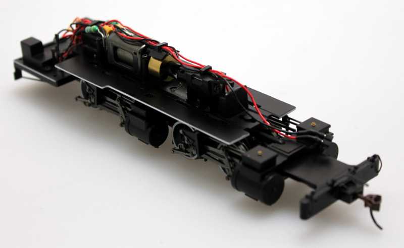 Loco Chassis - White Trim (ON30 2-4-4-2)