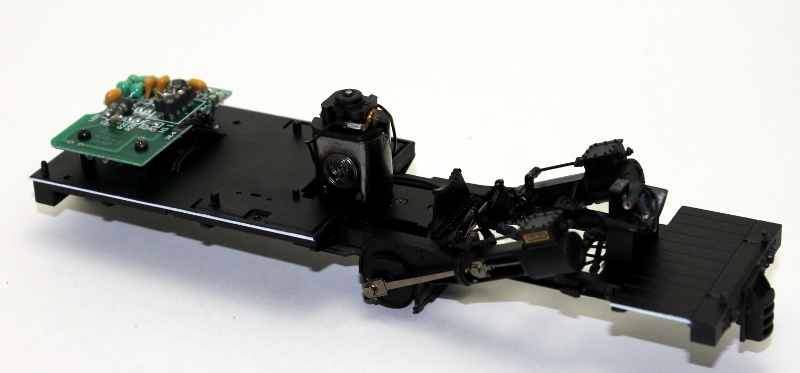Chassis w/PCB, Motor & Cylinders (ON30 Climax)