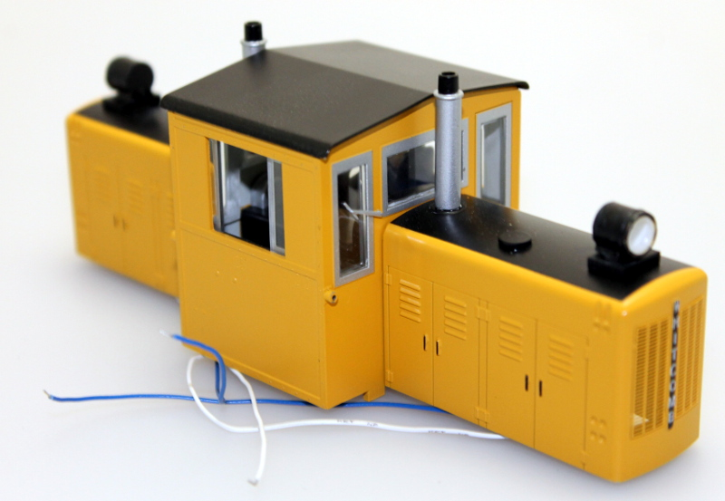 Body Shell- Yellow w/Black Stripes (ON30 50 Ton Diesel)
