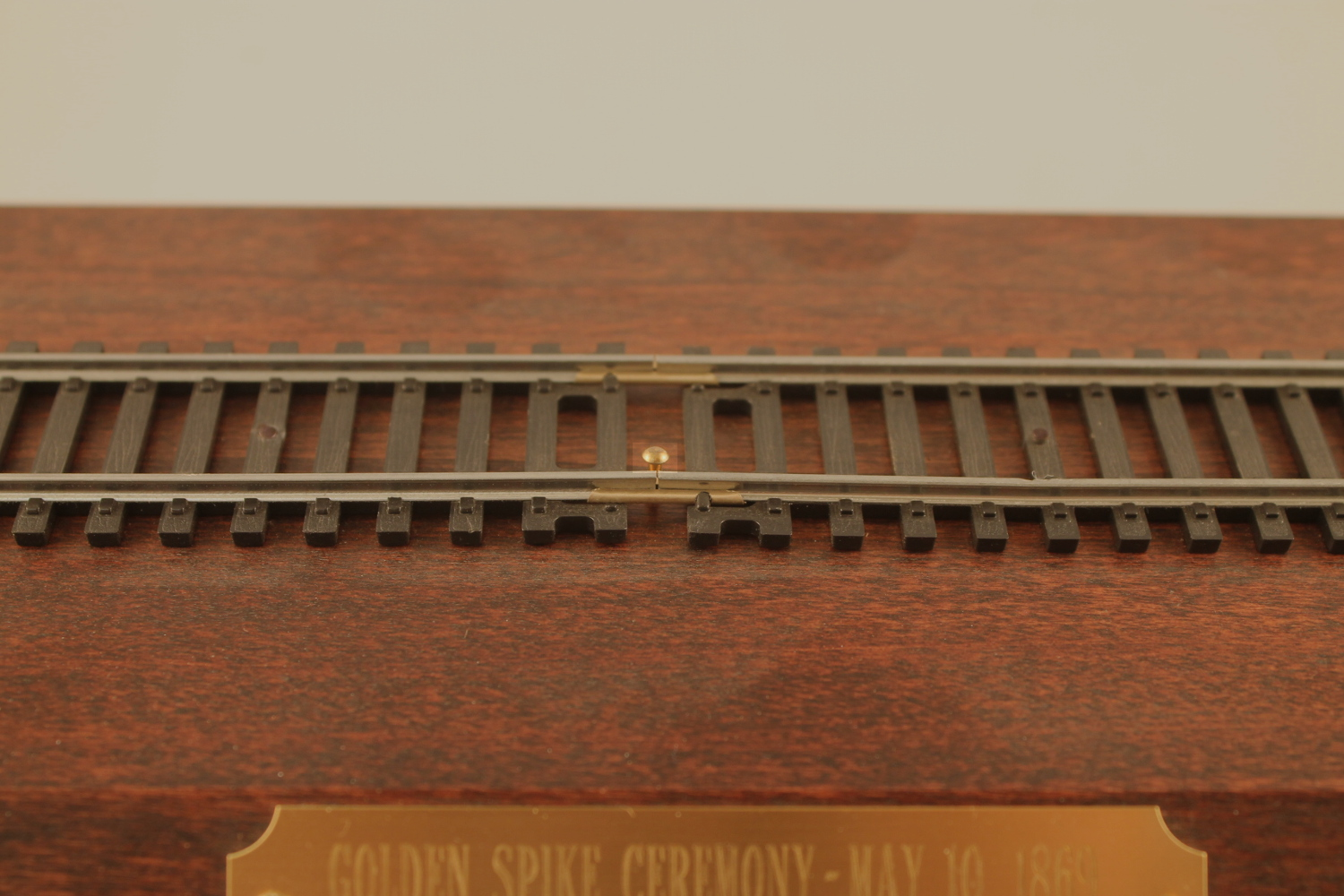 Golden Spike/Transcontinental Display Track HO Scale - Click Image to Close