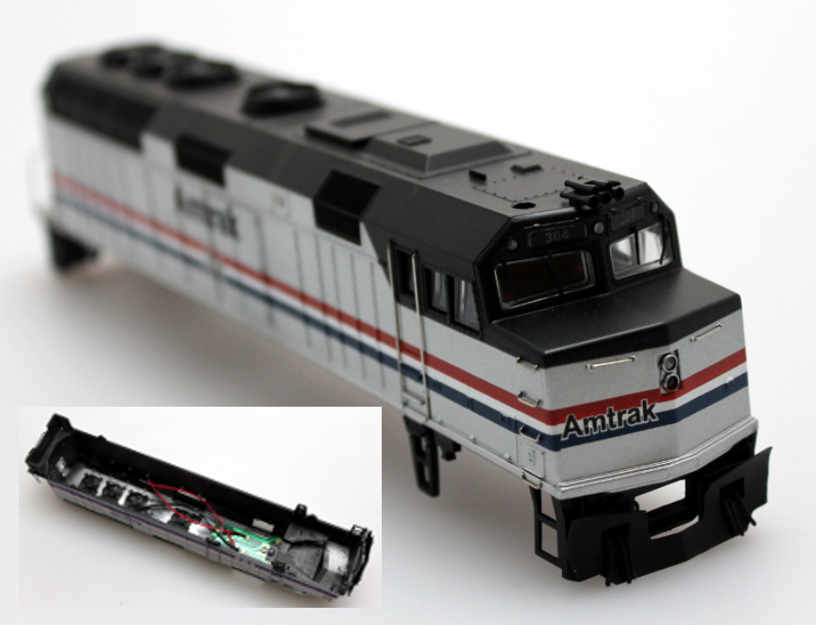 Body Shell - Amtrak #304, New (HO F40PH)