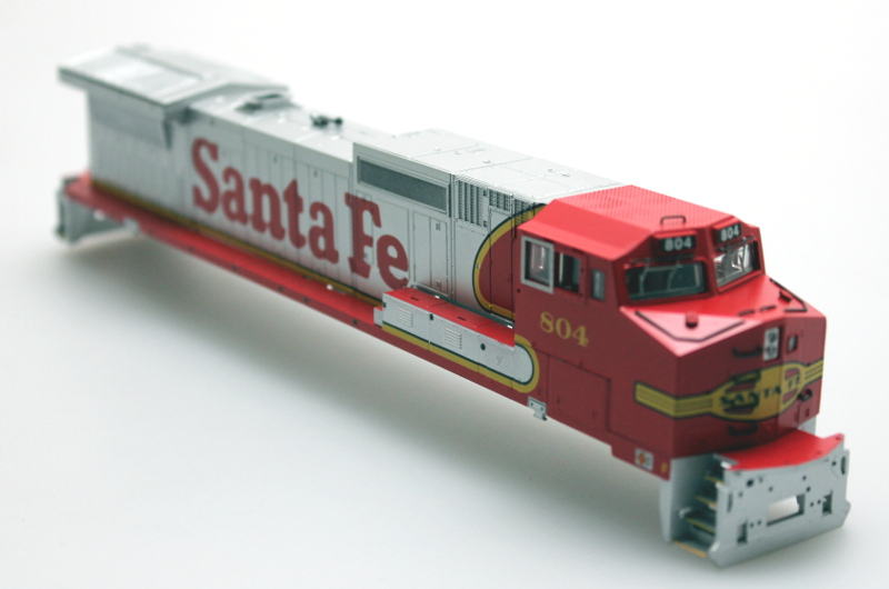Body Shell - Santa Fe #804 (HO Dash 8-40CW)