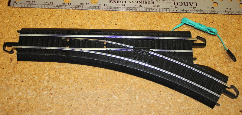 Remote Turnout Track - Right, Steel Alloy (HO/On30 Scale)