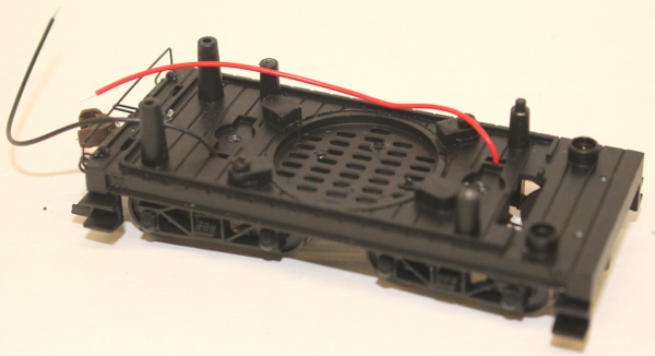 Tender Chassis w/Wheels - Black (HO 4-6-0 Baldwin) - Click Image to Close