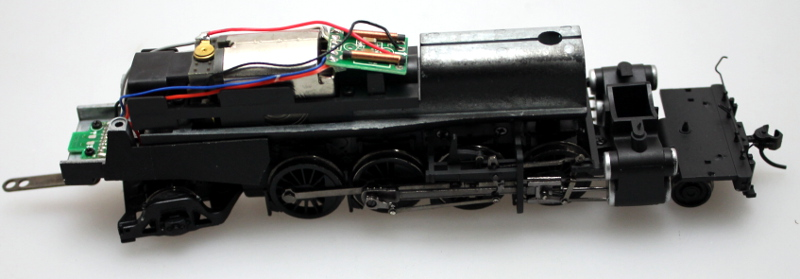 COMPLETE LOCO CHASSIS (HO 2-8-2 DCC SOUND)