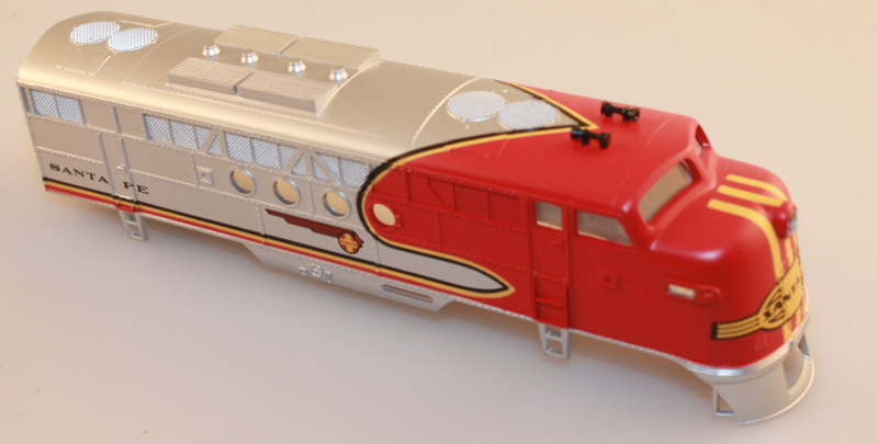 Body Shell - Santa Fe (Red & Silver - Old)(HO: FT-A)