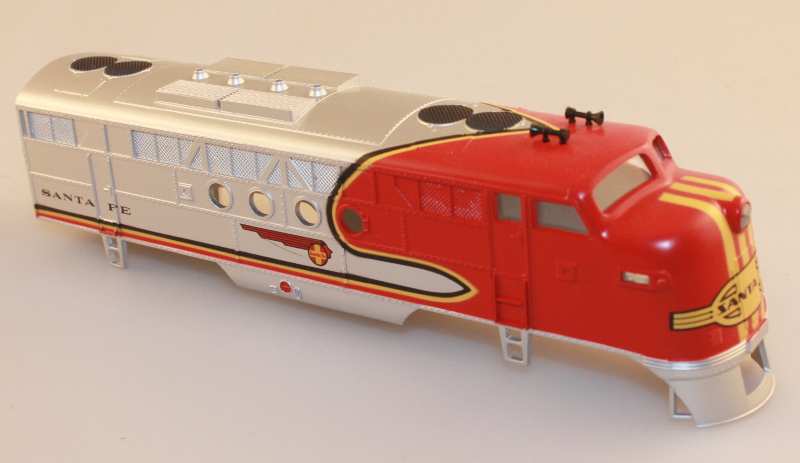 Body Shell - Santa Fe (Red & Silver - New)(HO: FT-A)