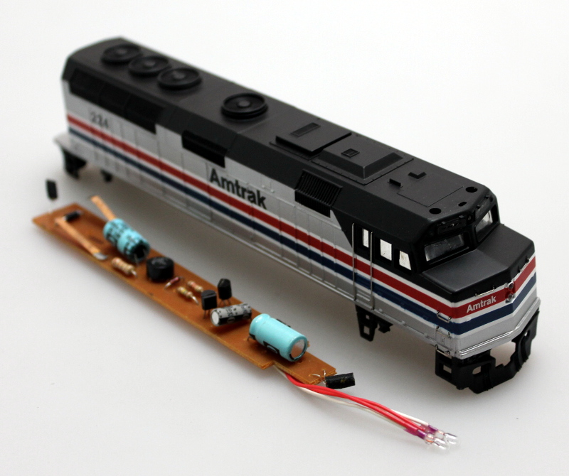 Body Shell (Older Model) - Amtrak #224 (HO F40PH)