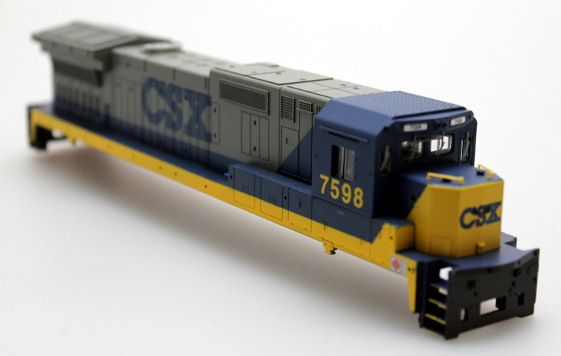 Shell - CSX #7598 (HO Dash 8-40C)