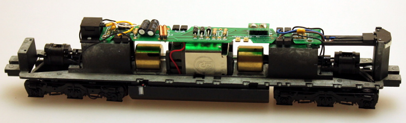 Chassis Complete (HO Dash 8-40CW - Spectrum®)