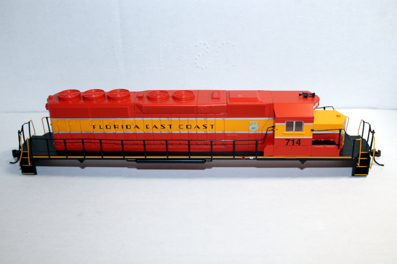 Body Shell- FEC #714 ( HO SD40-2 )