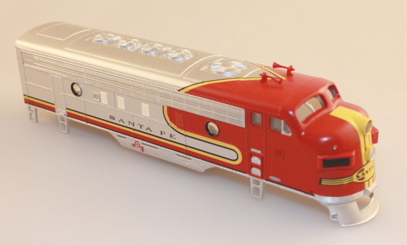 Body Shell - Santa Fe, Red & Silver (HO F7-A)