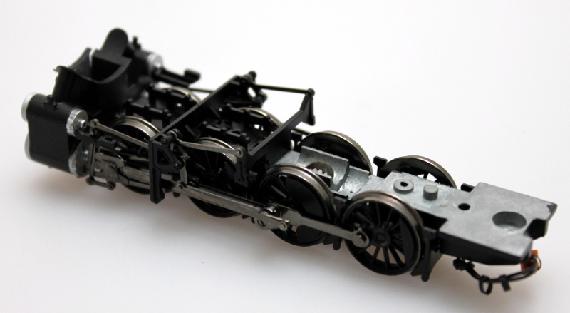 Chassis w/Black Drive Wheels & Silver Cylinder (HO 2-8-0)