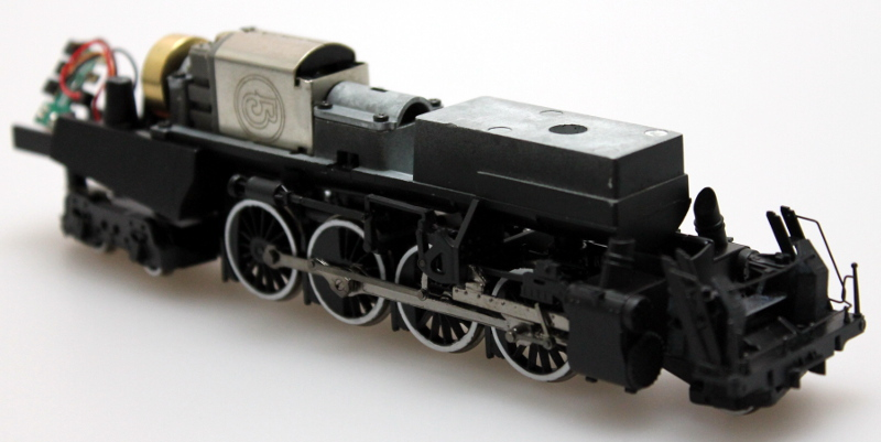 Complete Chassis - White No Pilot (HO 2-8-4 Berkshire)