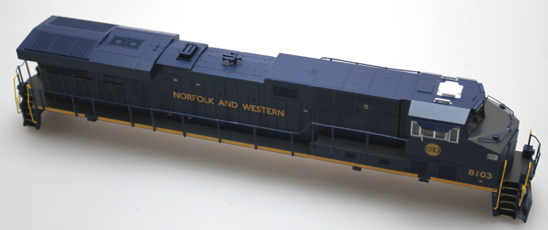 Shell w/Ditch Lights - Norfolk & Western #8103 (HO ES44)
