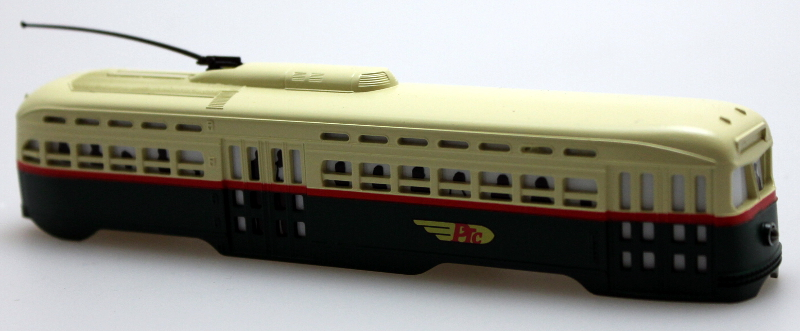 Body Shell-Philadelphia Trans. Co.(Cream Roof) (HO PCC Trolley)