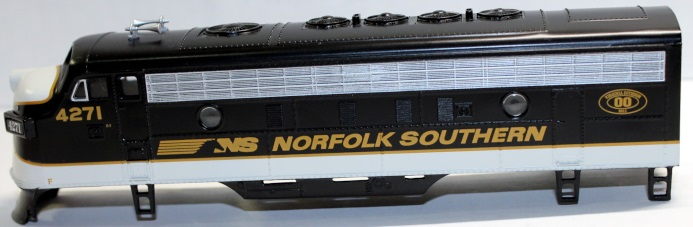 Body Shell- Norfolk Southern Virginia div #4271 ( HO F7-A )