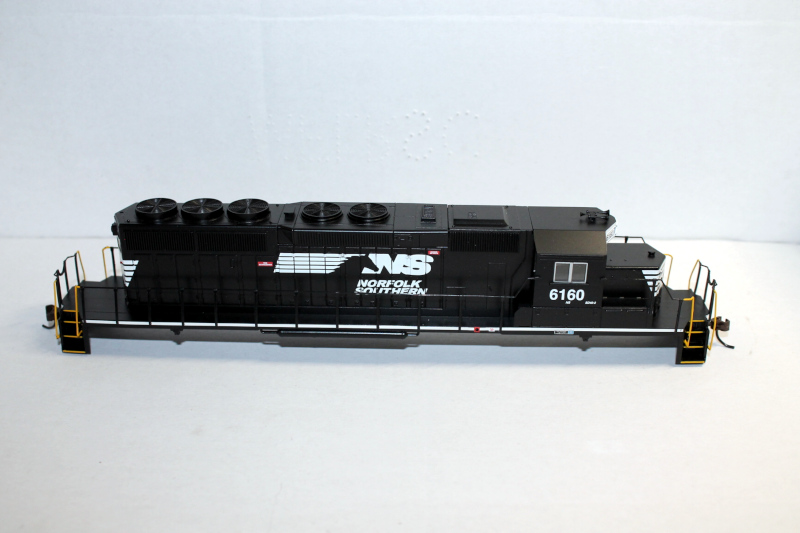 Body Shell- NS #6160 ( HO SD40-2 )