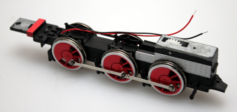 Complete Chassis - Red/Gold Wheels (ON30 2-6-0)