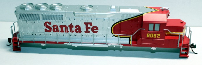 Shell - Santa Fe #6062 Red & Silver (HO GP40)