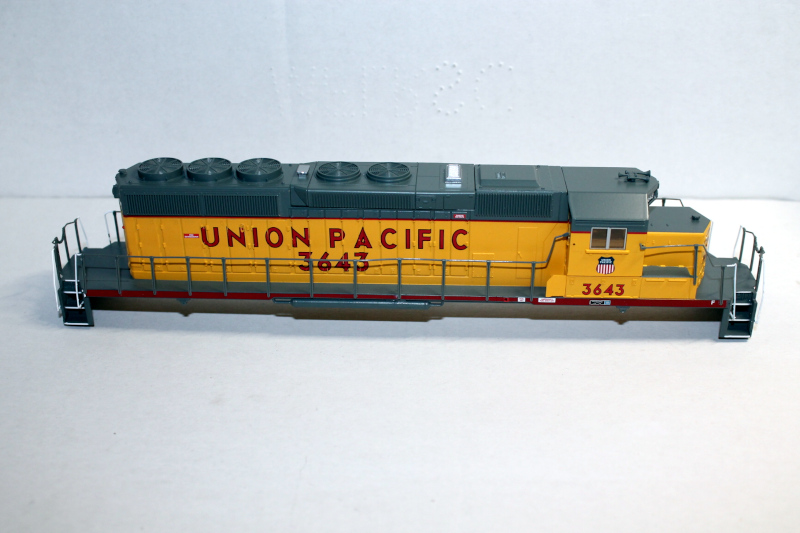 Body Shell- UP #3643 ( HO SD40-2 )