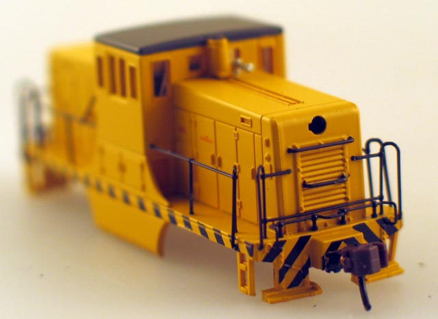 Shell - Painted, Unlettered-Yellow (N Scale 44Ton)