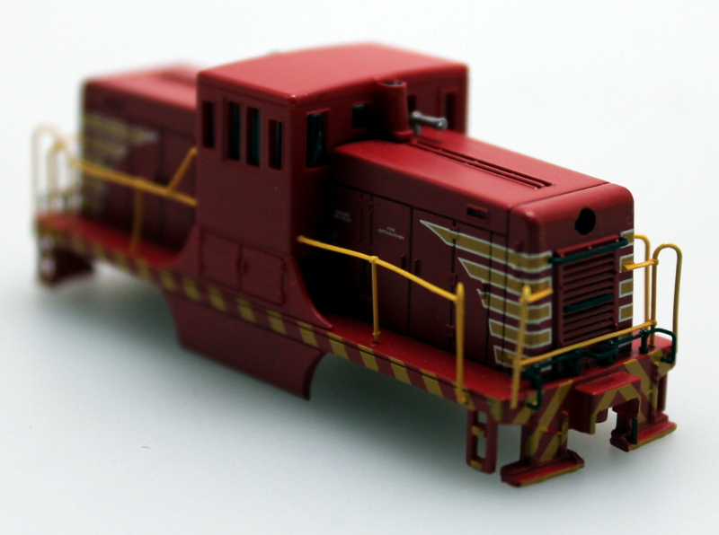 Shell - Painted, Unlettered-Red & Yellow (N Scale 44 Ton) - Click Image to Close