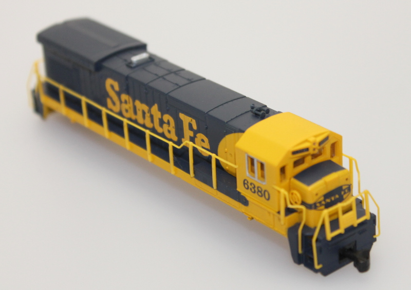 Body Shell - Santa Fe #6380 (N B23-7/B30-7) - Click Image to Close