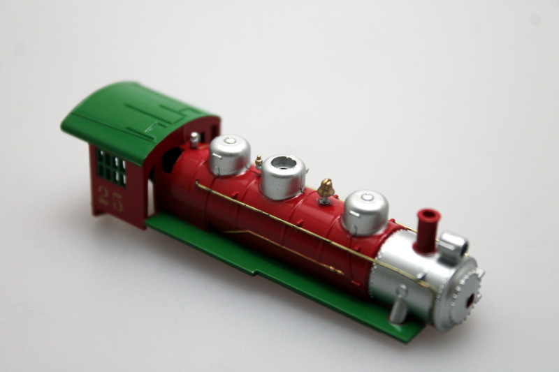 Loco Shell - Red/Green #25 (N: 0-6-0/2-6-2)
