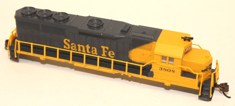Body Shell - Santa Fe #3500 (N GP40)