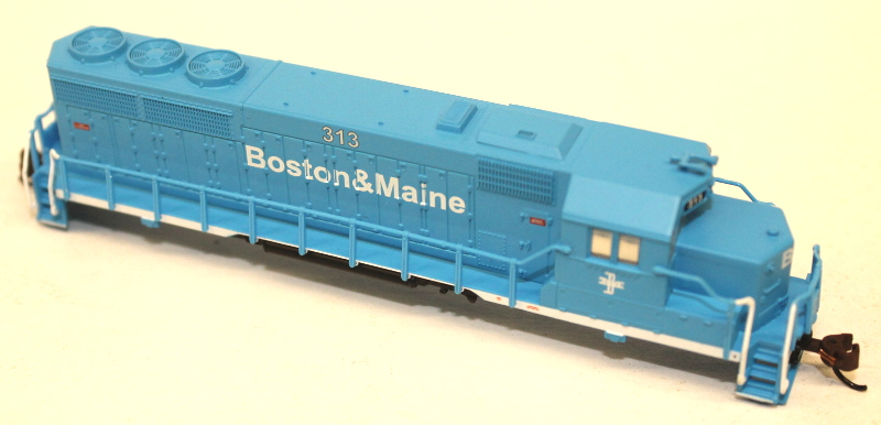 Body Shell - Boston & Maine #313 (N GP40) - Click Image to Close