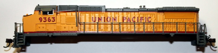 Union Pacific Shell ( N scale ) Dash8-40CW